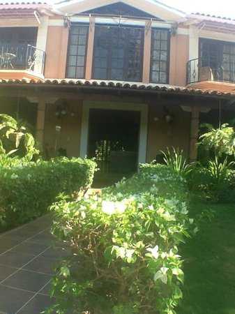 Hotel Boutique Villa Maya: A welcoming entryway with rocking chairs ready to greet you on arrival
