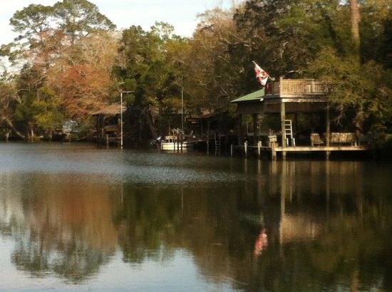 Magnolia Springs Bed & Breakfast : The river