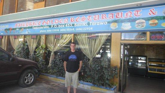 Fair Price Golden Restaurant : the main entrance