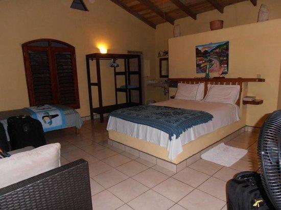 Tranquility Bay Beach Retreat : Cabana interior