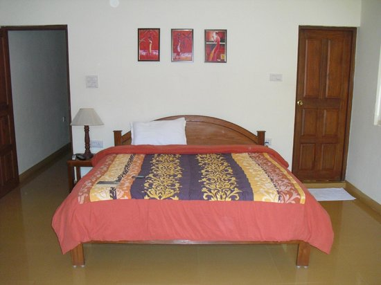 Bougainvillea Guest House Goa: Bed room of 202