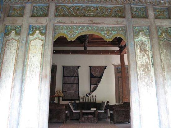 Umajati Retreat: Guest House Living Room