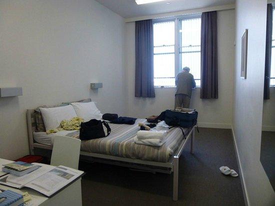 Sydney Harbour YHA: Room