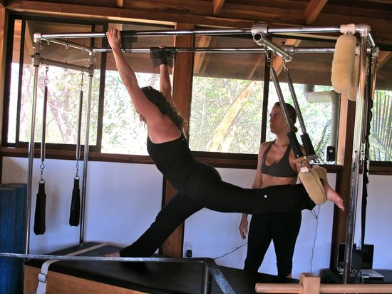 Pilates Nosara at Bodhi Tree Resort: Page supervising the stretch