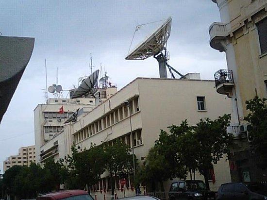 Yadis Ibn Khaldoun: ホテル向かいのテレビ局です