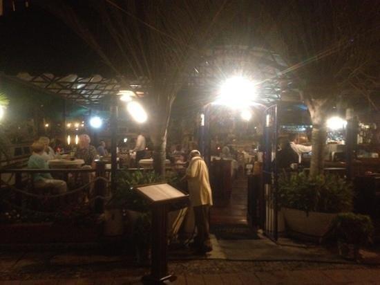 La Terraza Di Roma: Outdoor dining area