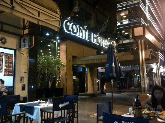 Conte Hotel: Fachada