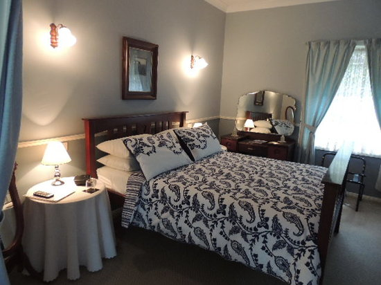Larkwood of Lemon Tree B & B: Deluxe Blue Room