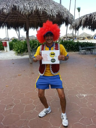 Iberostar Bavaro Suites: Eduardo - one of the hard working entertainers.