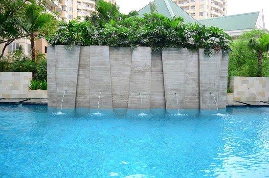 Grand Whiz Kelapa Gading: Pool area