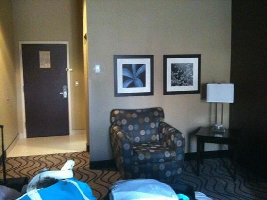 La Quinta Inn & Suites Meridian / Boise West: king room lounge chair