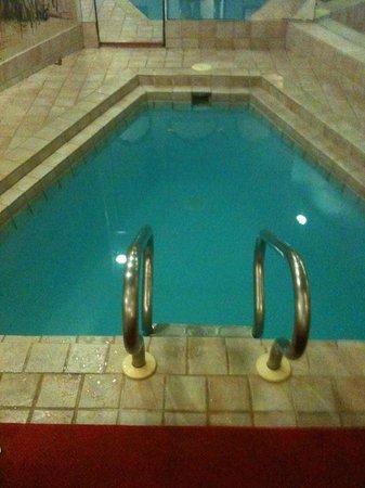 Paradise Stream Resort: pool area