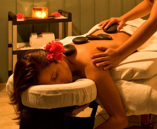 Barefoot Cay Resort: Decadent spa services including massage, scrubs and wraps