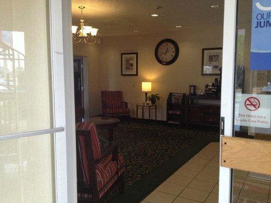 Fairfield Inn & Suites Temple Belton: Entry (not accessible)