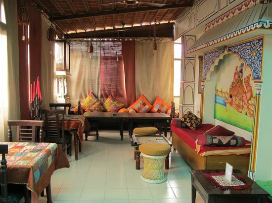 Sunder Palace Guest House: Another casual sitting area