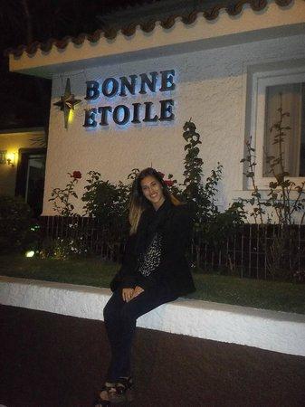 Bonne Etoile Hotel: Hotel y alrededores