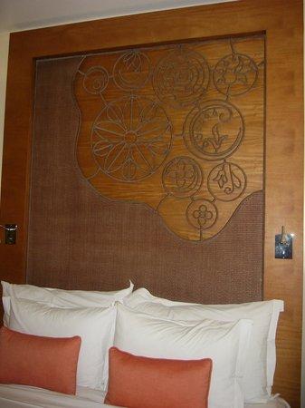 Crimson Resort and Spa, Mactan: The head-board in my suite.