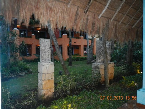 Iberostar Quetzal Playacar: Vista desde un pasillo exterior