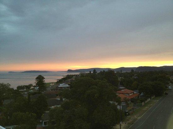 Mantra Ettalong Beach: sunset