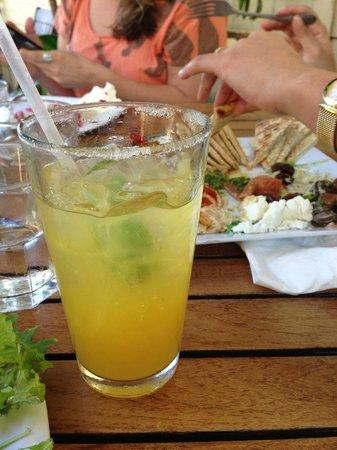 Cafe des Amis : Lillikoi Margarita