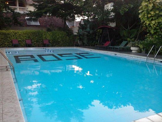 Grand Rosela Hotel: Pool