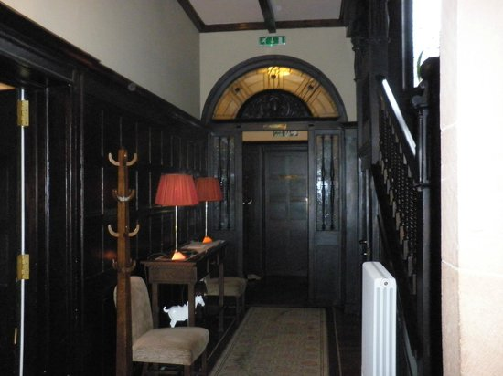 Carnbooth House Hotel: Hallway To The Dining Room
