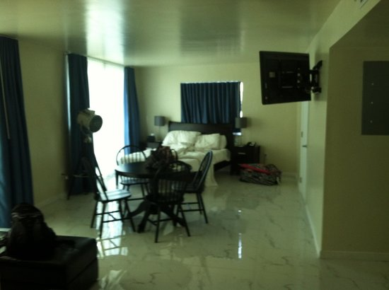 The Fritz Hotel: Room 305