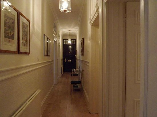 The Mansions Apartments: Hallway in 3 bed apartment