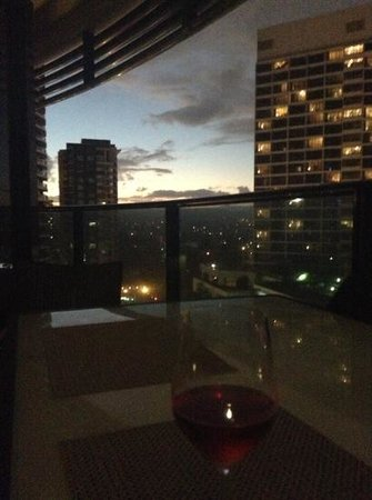 Peppers Broadbeach: view from one side