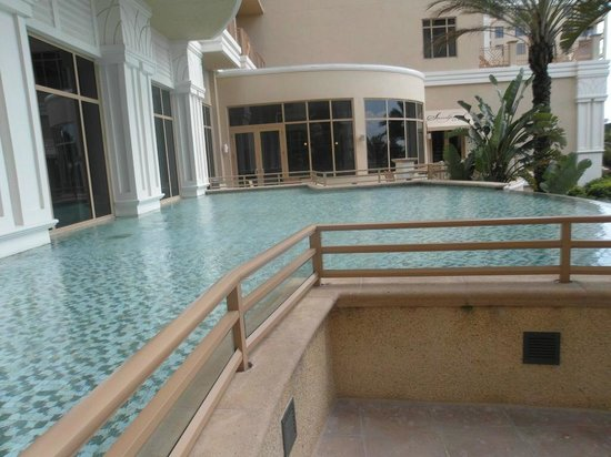 Sandpearl Resort: pool
