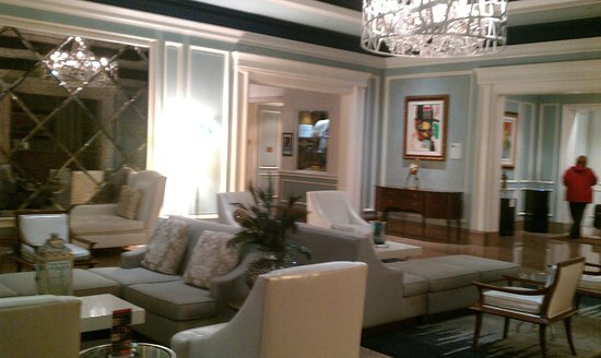 The Henry, Autograph Collection: Lobby