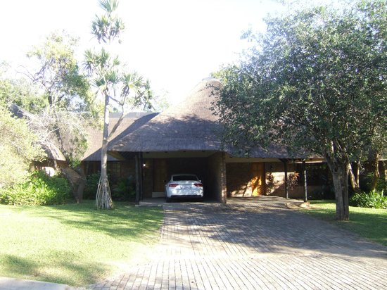 Kruger Park Lodge: Our homestead for our stay