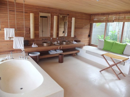 Six Senses Con Dao: Bathroom- enter from external stairs