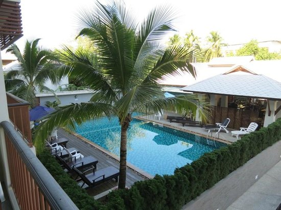 Sakorn Residence & Hotel: Most days I had the pool to myself