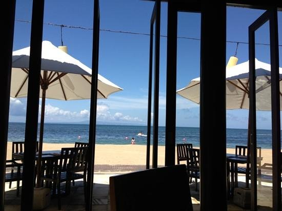 Conrad Bali: viee from eight degrees north at lunch
