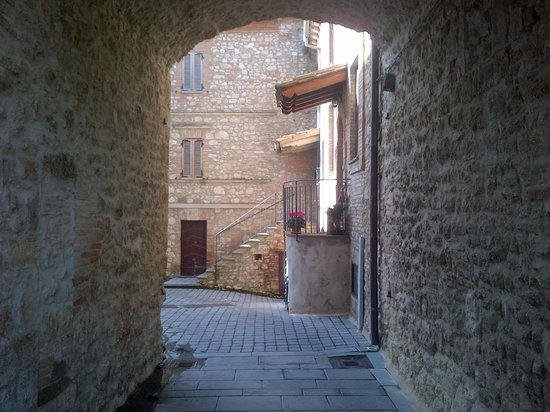 Castello di Montignano Relais & Spa: Uno scorcio nelle zone limitrofe al castello