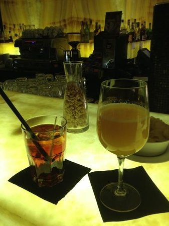 BEST WESTERN PREMIER BHR Treviso Hotel: aperitivo al bar