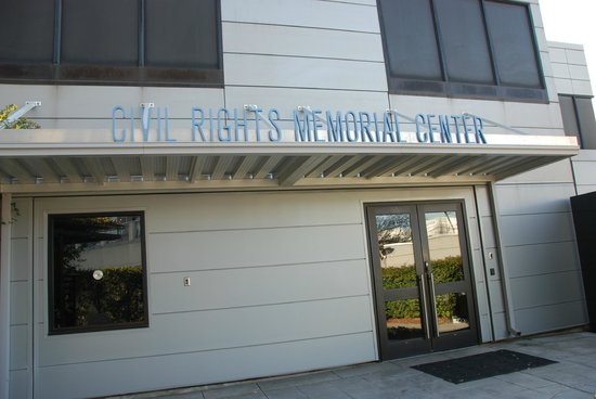 Civil Rights Memorial: The entrance