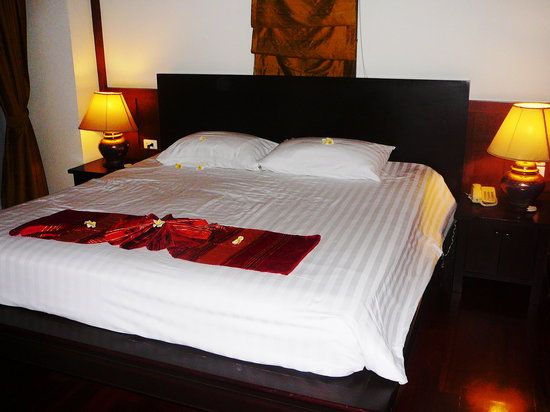 Q Signature Samui Beach Resort: the bed