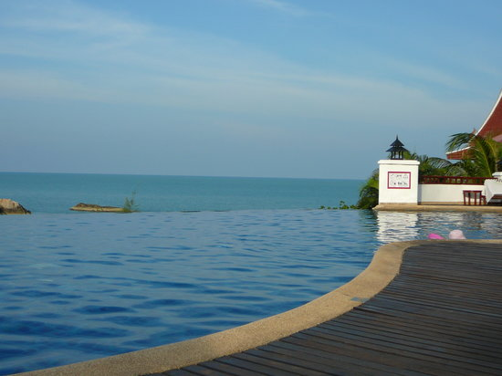 Q Signature Samui Beach Resort: the inifinity pool