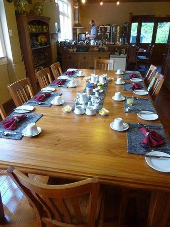Holly Homestead B&B: La grande cucina per la colazione