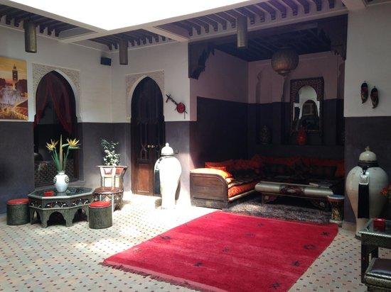 Riad La Porte Rouge: Inner courtyard