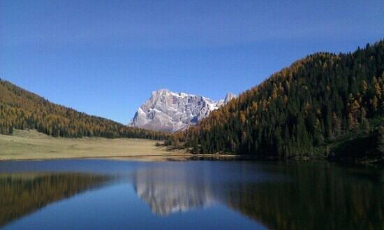 Siror, Италия: lago di calaita Vista dal ristorante