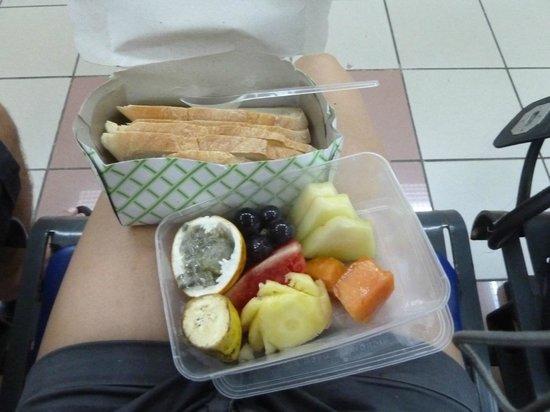 Flashback's: Carepaket weil wir das inbegriffene Frühstück verpasst haben :)