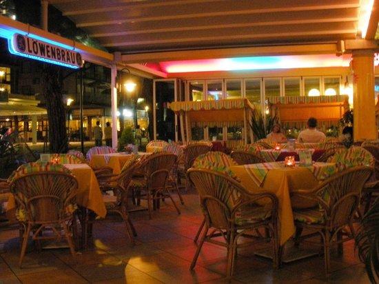 Hotel Ettoral: Zona esterna hotel