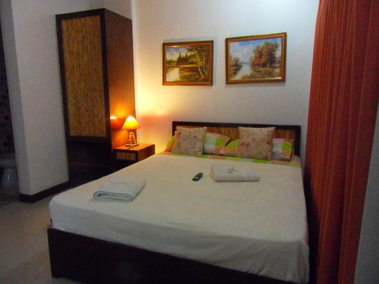 Cebu Residencia Lourdes: Inside the room