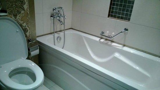 Al Waha Palace Hotel: Bath
