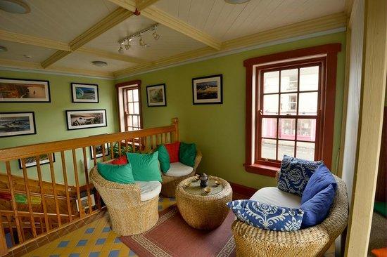 Guru Tea House: cozy