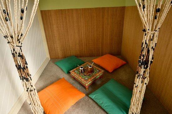 Guru Tea House: himalayas room