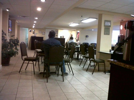 La Quinta Inn Chattanooga: Breakfast area was clean and well kept.